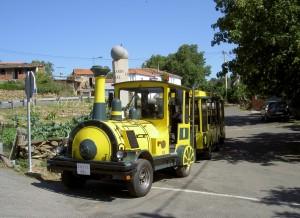 Aba Sacra -Tourist train in Doade