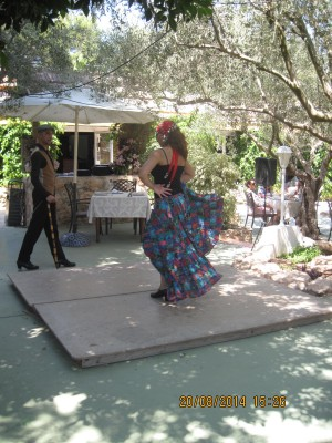 Raquel Pena's flamenco dancers entertain the diners at Restaurante Rebate